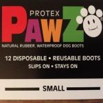 フローリングで滑る愛犬にドッグブーツ「PAWZ」を試してみました